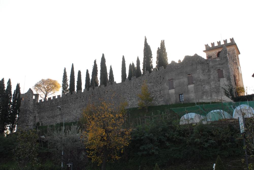 Mura del Castello.JPG