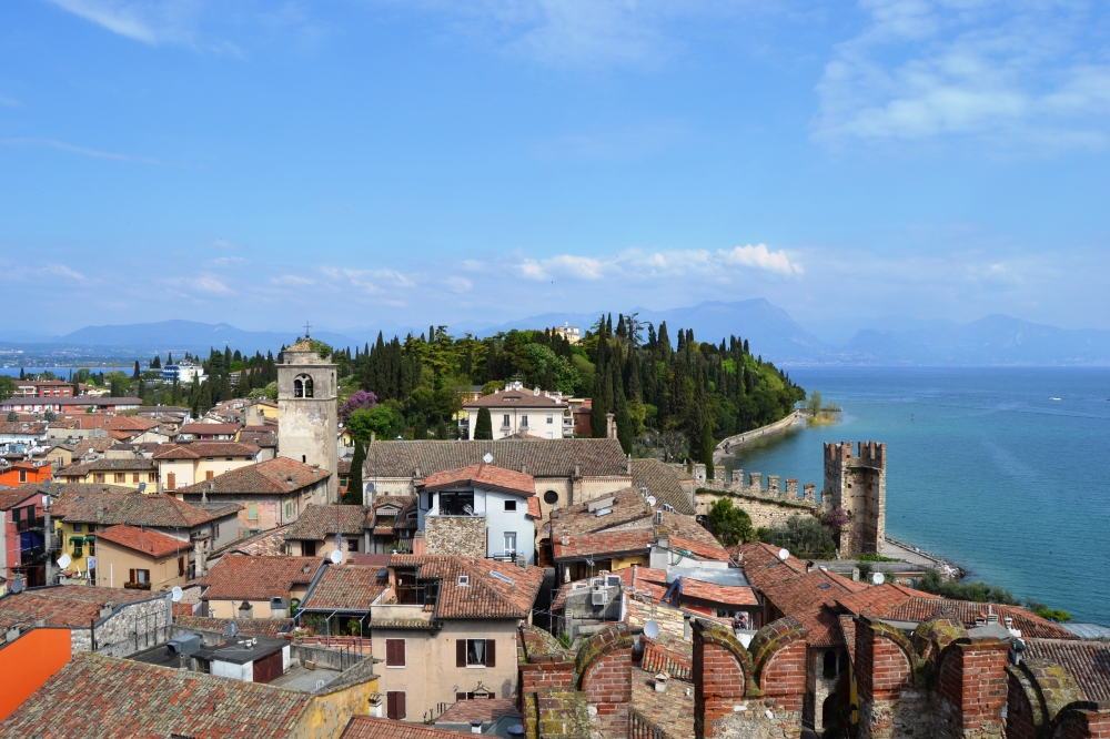 Veduta dal Castello Scaligero, di Denise Bruscino.jpg